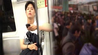 getlinkyoutube.com-여심 저격 배우 박보검, 지하철을 사랑한 남자 @한밤의 TV연예 20160120