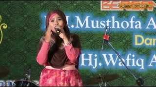getlinkyoutube.com-Sholatun Bissalamil Mubin - Wafiq Azizah LIve In Chungli-Taiwan