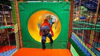 getlinkyoutube.com-Busfabriken Indoor Play Family Fun for Kids
