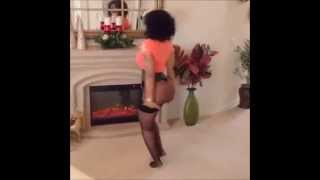 getlinkyoutube.com-Deelishis show casing her cakes on all fours