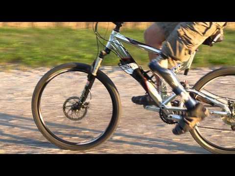 Oberschenkelprothese Mountaunbike / Radfahren nach Amputation / Amputiert