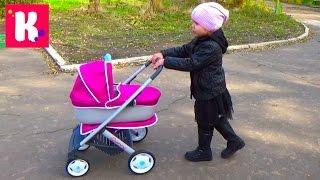 getlinkyoutube.com-Коляска для кукол распаковываем собираем гуляем катаем котёнка Baby doll stroller unboxing wolking