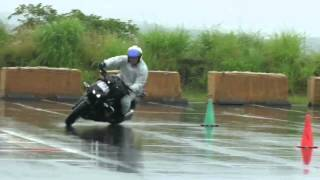 getlinkyoutube.com-Motogymkhana in rain  Z1000