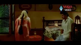 getlinkyoutube.com-Suryavamsam Scene - Venkatesh And Meena First Night Scene - Raadhika, Sudhakar