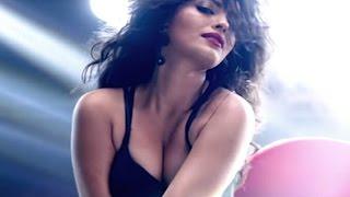 getlinkyoutube.com-Ex Bigg Boss Contestant Sonali Raut's HOT ITEM SONG | VIDEO