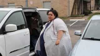 getlinkyoutube.com-'Now I know he loves me': 660lb woman reveals how her husband STOPPED her from losing weight