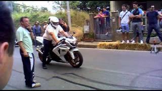 getlinkyoutube.com-Gara di accelerazione...Motoraduno San pietro a maida 2011 (2) .mp4
