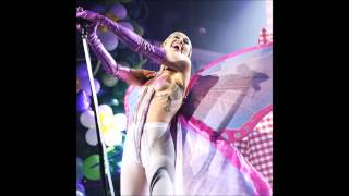getlinkyoutube.com-Miley Cyrus - Tiger Dreams [New Song 2015] (Live Adult Swim 2015)