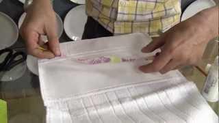 getlinkyoutube.com-Veja como decorar toalhas com a decupagem em tecido!