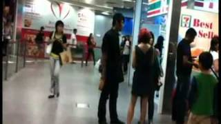 getlinkyoutube.com-Ah Beng Caught by GF with other Girl on Valentine's day (GilaVideo@Facebook)