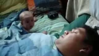 getlinkyoutube.com-Horlayan Baba Bebeği Korkutuyor