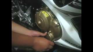 getlinkyoutube.com-How to change oil in Suzuki Raider Belang FU 150