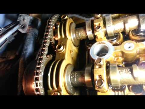 Toyota Matrix 2005 год 1.8 бензин Замена прокладки крышки клапанов, прокладки гидронатяжителя цепи.