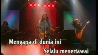 Boomerang   Kisah Seorang Pramuria (Official Karaoke Video)