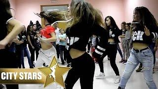 getlinkyoutube.com-(CITY STARS - Dance) Shaggy Feat. Mohombi & Faydee Costi - I Need Your Love