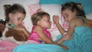 بلغوا بناتكم  لهذا السبب لا يجب ترك البنات تنام فى نفس السرير