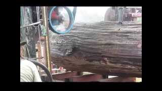 getlinkyoutube.com-Cross Sawmill Rips Its Way To a New World Record