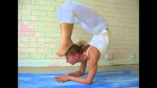 getlinkyoutube.com-Extreme Yoga Poses