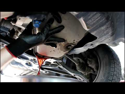 Toyota Vitz Тойота Витц SCP10 2000 года Замена масла и фильтра в коробке автомат