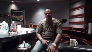 Consequence & Busta Rhymes en studio