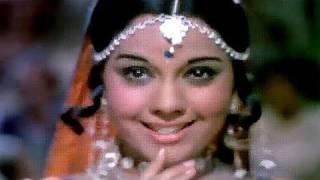 getlinkyoutube.com-Aagre Se Ghagro Mangai De Rasiya - Asha Bhosle,  Mumtaz, Chor Machaye Shor Song