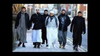 getlinkyoutube.com-Moulana Anzar Shah Qasmi Dadhi & Islami Libas Ki Ahmiyat
