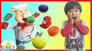 getlinkyoutube.com-Pop The Pig Family Fun Game for kids Surprise Toys Thomas and Friends Ryan ToysReview