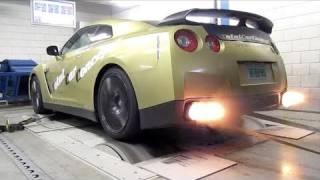 getlinkyoutube.com-Nissan GT-R Switzer P800 - Dyno run with backfire!
