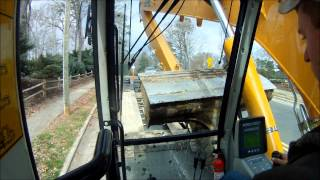 getlinkyoutube.com-Loading/ Unloading The Long Reach Excavator
