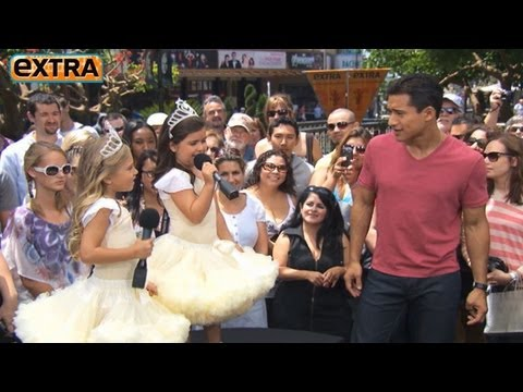 Sophia Grace & Rosie Serenade Mario Lopez at The Grove!