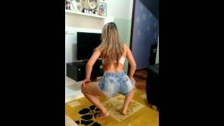 "getlinkyoutube.com-Andressa ""treme bunda"""