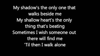 getlinkyoutube.com-Green Day -Boulevard of Broken Dreams lyrics