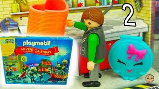 getlinkyoutube.com-Playmobil Holiday Christmas Advent Calendar - Toy Surprise Blind Bags  Day 2