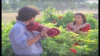 getlinkyoutube.com-Nagarjuna removed Amala saree and selling for exchange | Chinnababu