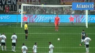 getlinkyoutube.com-New Barcelona Goalkeeper Ter Stegen saves Penalty Vs Messi