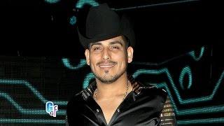 getlinkyoutube.com-Los sombreros y texanas más excéntricos de los famosos