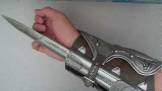 AC Ezio's Hidden Blade Unboxing