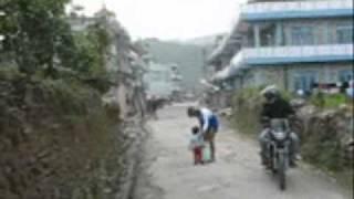 getlinkyoutube.com-A drunk woman walks unsteadily in Pokhara with her baby (Pokhara ma Keti Jhyaap)