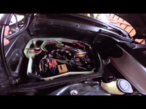 Расположение в BMW Е36 предохранителя насоса омывателя