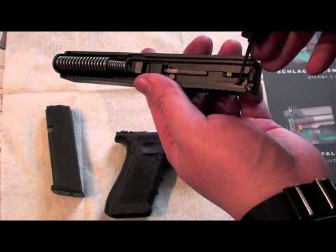 Function of a Glock, showed with a Glock 17, how the Glock pistol works
