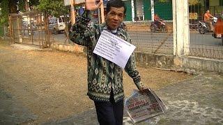 getlinkyoutube.com-Pak Men pulang kampung Lebaran 1436 H, Juli 2015  BR TiVi 3301 00003