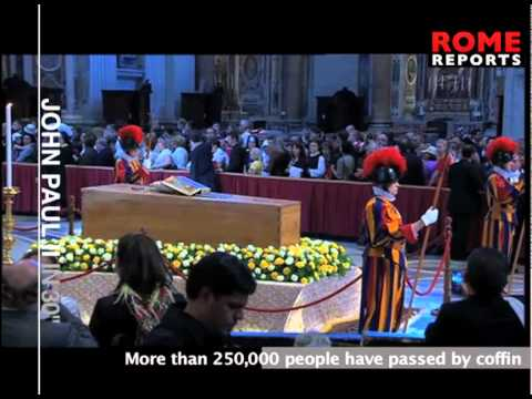 Line to pray before the casket of John Paul II snakes through Rome