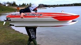 getlinkyoutube.com-GIGANTIC POWERFUL RC POWERBOAT SPEEDBOAT HPR-233 130 KMH BRUTAL SPEED 25000 WATT