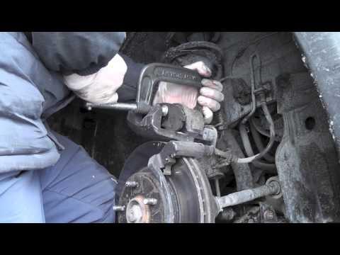 Suzuki SX4 AWD front brake pads replacement