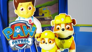 "getlinkyoutube.com-PAW PATROL Nickelodeon ""Ryder Meets Baby Rubble"" a Paw Patrol Toy Parody Video"