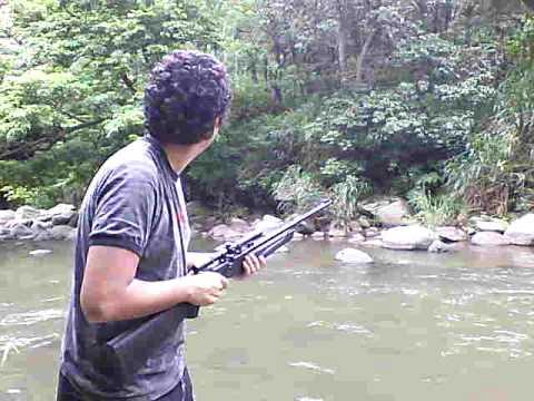 Rodolfo Miranda cazando leones Africanos
