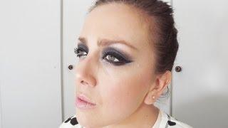 Cabelo e e Maquiagem para Noiva Moderna. Olhos Dramáticos, Super Pretos! view on youtube.com tube online.