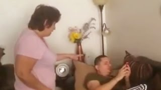 getlinkyoutube.com-La mamá de Larry Hernández le dio un chanclazo por desobediente
