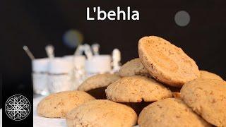 "getlinkyoutube.com-Choumicha : Ghouriba au beurre rance ""L'behla"" (VF) |  Moroccan traditional cookies recipe"