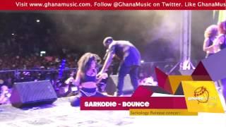 getlinkyoutube.com-Sarkodie - Performs 'Bounce' with girls bouncing their 'booty' | GhanaMusic.com Video